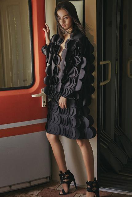 火车上的时装大片