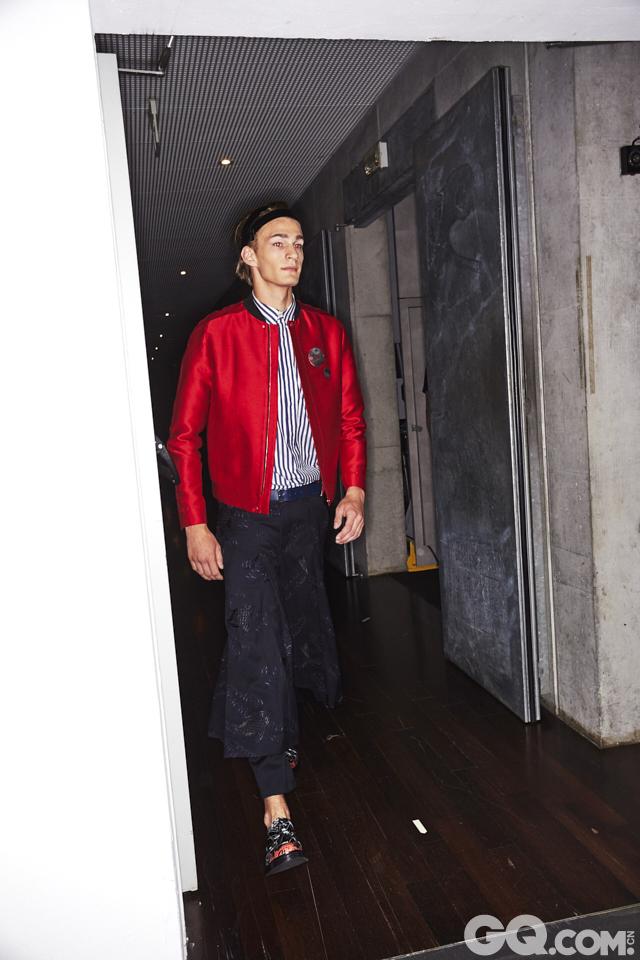 2018春夏男装周Emporio Armani秀场后台