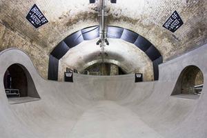 藏身地下的滑板公园