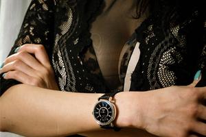 男人喜歡女人戴這樣的表