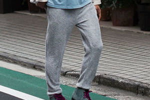 时髦家居运动裤