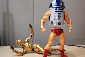变身超级英雄的R2D2