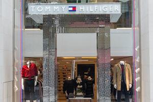 TOMMY HILFIGER庆品牌成立三十周年 巴西圣保罗两新店盛大开幕