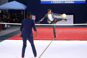 TOMMY HILFIGER全球品牌大使Rafael Nadal 参加法国巴黎POP-UP网球表演赛