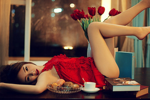 性感红裙:艳丽而妖娆的魅惑