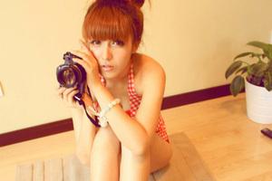 玩摄影的日系少女