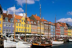 世界上第一条跨国自行车渡轮开了,就在丹麦和瑞典之间