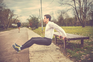 男士锻炼腿部肌肉的三大实用方法