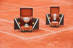 路易威登为法国网球公开赛传奇奖杯打造专属特别订制硬箱