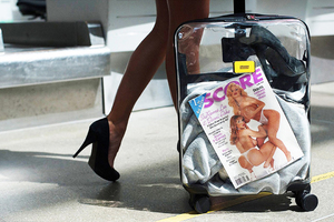 Crash Baggage出透明行李箱,LV 邀请男明星代言女装
