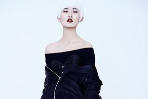 个性白发女孩