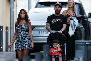 梅西携家人参加内马尔爱子生日派对 蒂亚戈与小伙伴疯跑