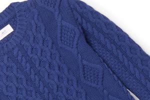 灵感来源于60年代Soho区的钴蓝色毛衣