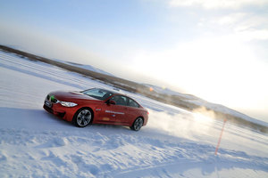 今年冬天要来场冰雪驾驶的新体验吗