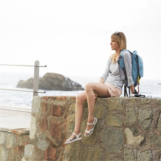 ECCO推出多功能巡航沙滩鞋