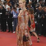 美国演员Amber Valletta身着Mulberry现身戛纳影展