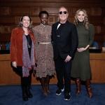 设计师Michael Kors邀请演员Lupita Nyon...