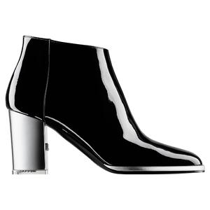 Chanel香奈儿2014春夏黑白漆皮高跟鞋