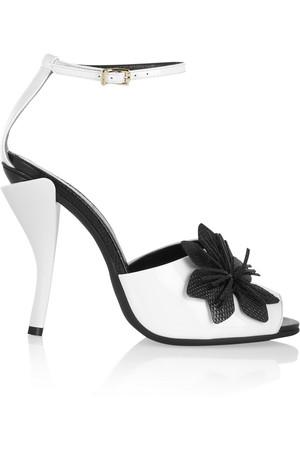 凉鞋界的小黑裙 一字带到底有多美