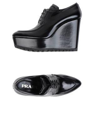 黑色 PRADA 系带鞋