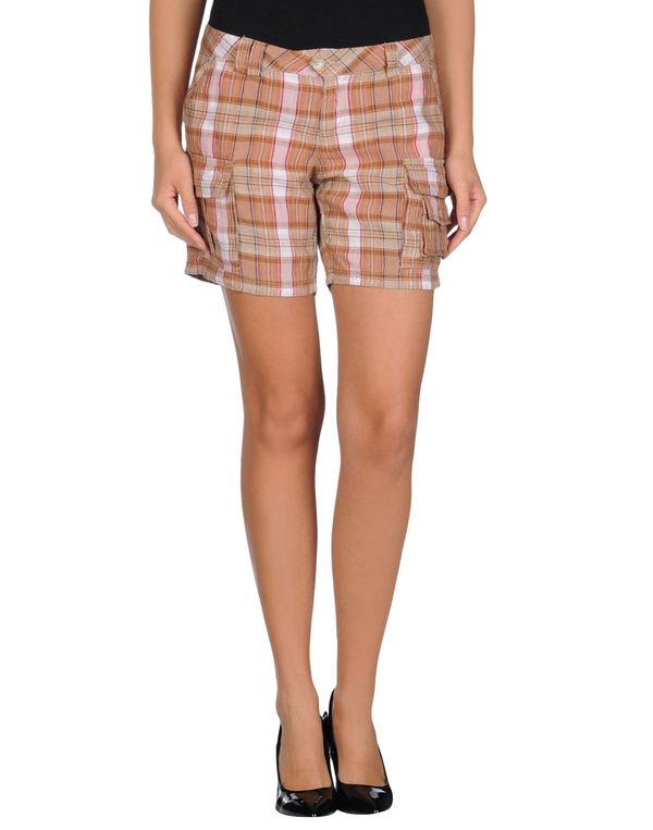 驼色 WOOLRICH 短裤