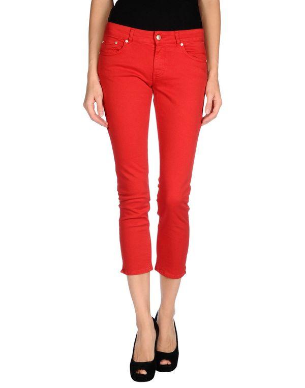 红色 JUCCA 牛仔裤
