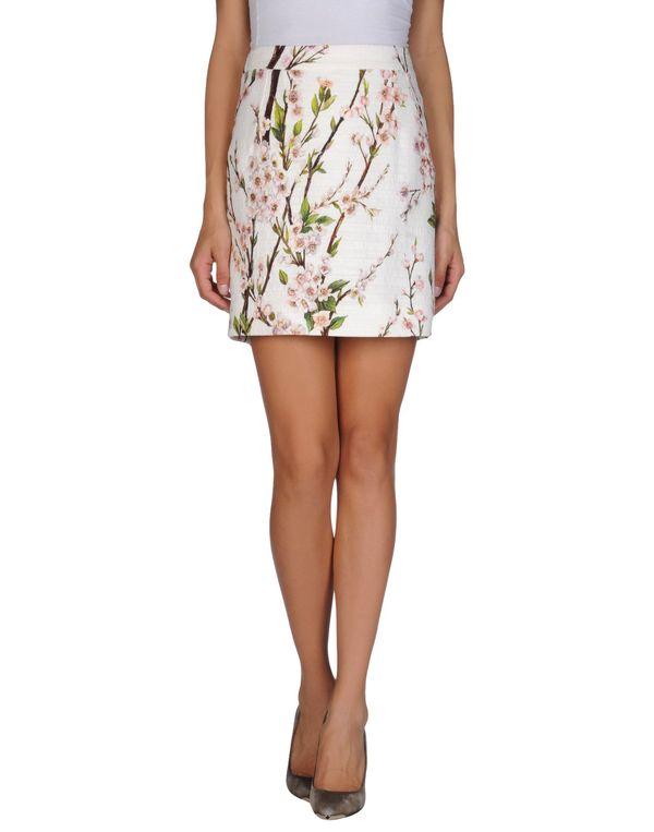 白色 DOLCE & GABBANA 超短裙