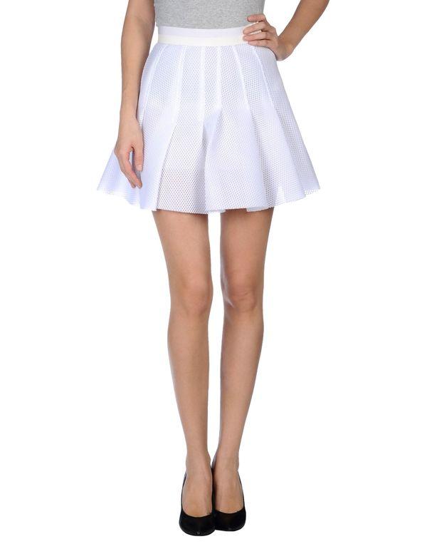 白色 AVIÙ 超短裙