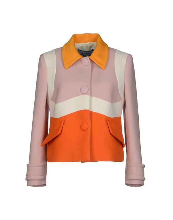粉红色 PRADA 西装上衣