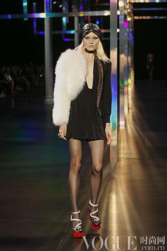 圣罗兰 (Saint Laurent) 2015春夏女装时装秀