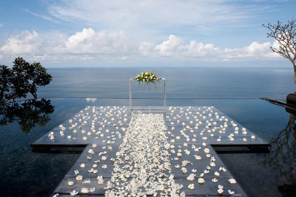 极致完美婚礼体验 水中婚礼
