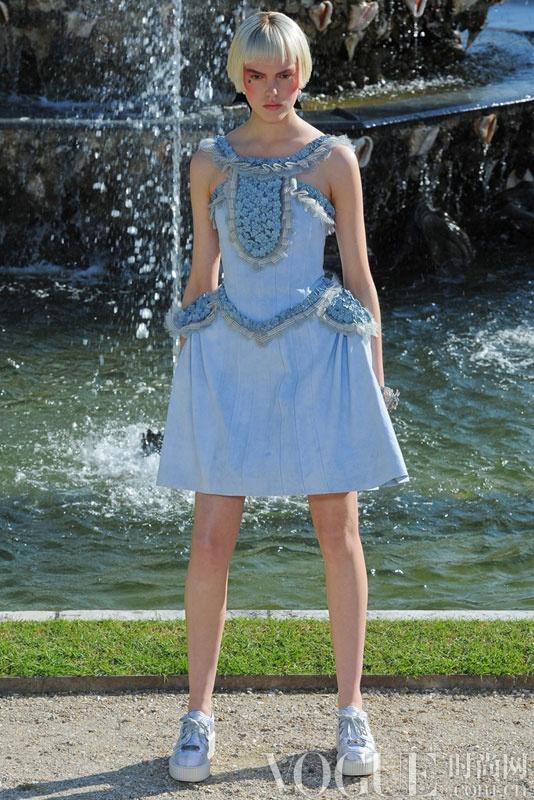 Chanel 2013早春度假系列:粉彩洛可可宫廷