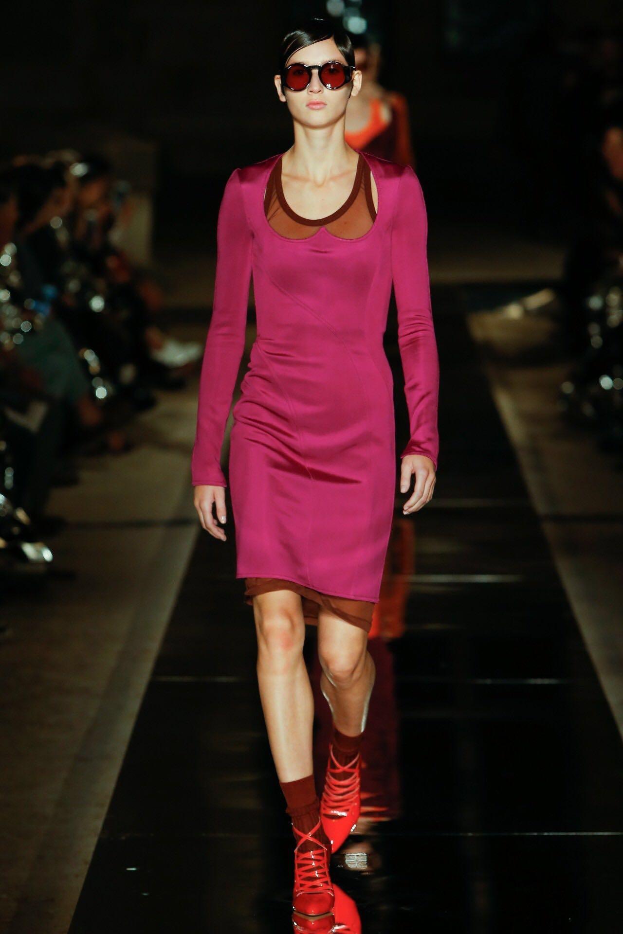 巴黎时装周上的新潮流是这些!为时尚先锋指点一二(图4)