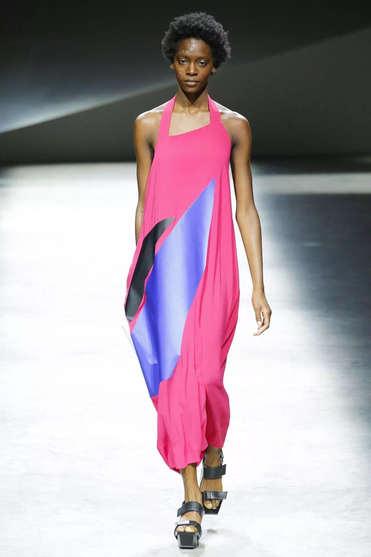 巴黎时装周上的新潮流是这些!为时尚先锋指点一二(图5)