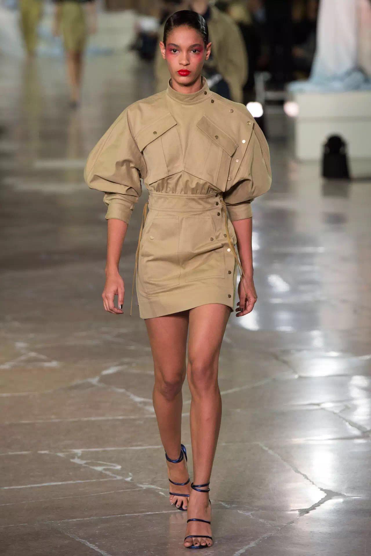 巴黎时装周上的新潮流是这些!为时尚先锋指点一二(图8)