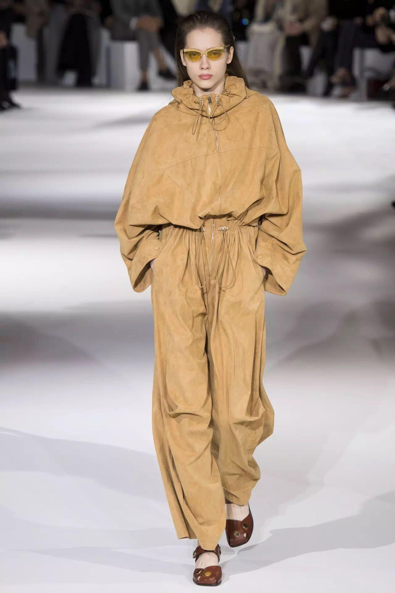 巴黎时装周上的新潮流是这些!为时尚先锋指点一二(图9)