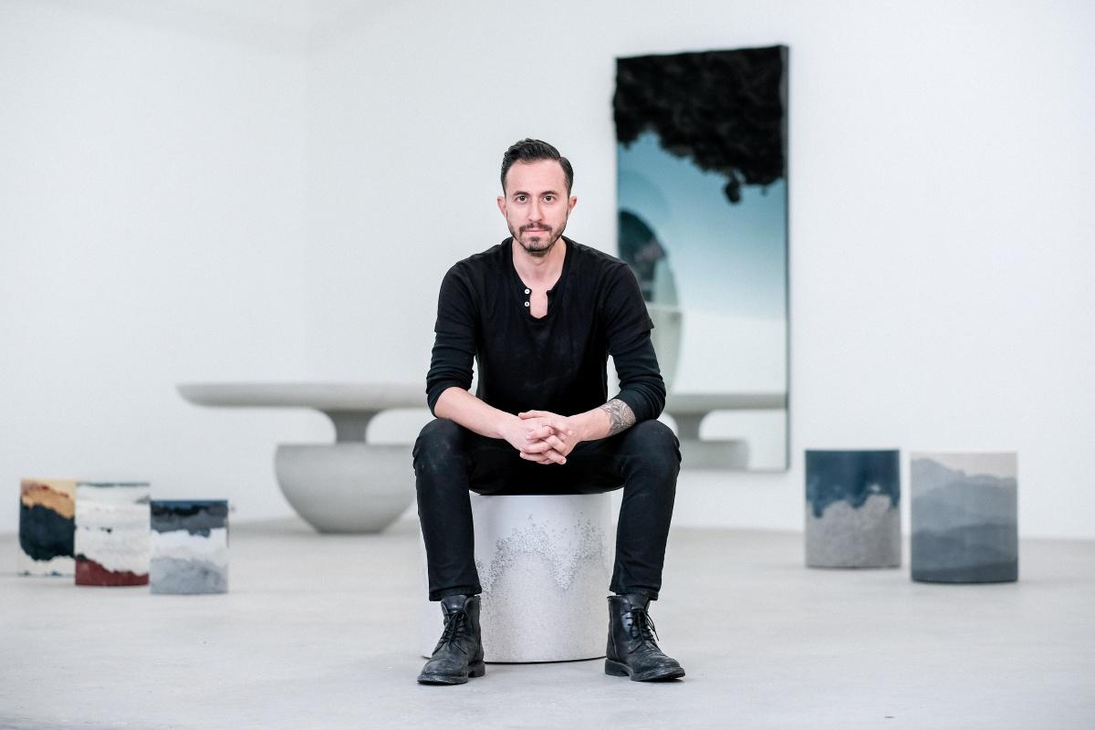 爱彼于2019年巴塞尔艺术展香港展会揭晓设计师费尔南多·马斯特兰赫洛图片