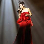 """郑秀文着LAN YU Haute Couture红装 霸气唱响""""TOUCHMI""""全球巡回演唱会澳门站"""