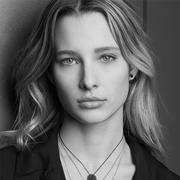 Ilona Smet来自法国的新生代模特儿为APM Monaco 品牌形象代言人