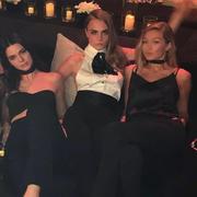 【一周要闻】凭借自拍,Kendall和Gigi撑起了超模收入榜半边天
