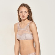 Calvin Klein Underwear推出全新Calvin Klein Black Linger及Calvin Klein Black Devotion系列