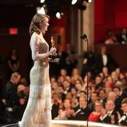 揭秘:女明星如何挑选走红毯的美服?