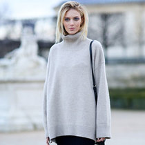 秋季高领毛衣抵寒优雅两不误