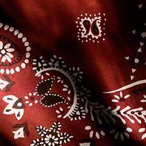 BURBERRY最新推出2015秋冬男装秀专属定制围巾