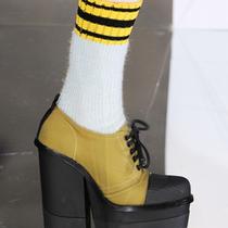 美好与舒适之间的艰难选择——你需要一双粗跟鞋