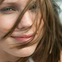 6种方法真正解决头发毛糙困扰