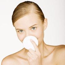 夏日里要用卸妆水的3个理由