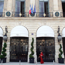 Chanel在巴黎开水疗中心