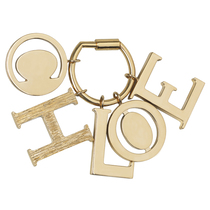 C就是Chloé 戒指和徽章吊饰之字母系列