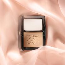 全新丝柔亲肤粉饼 源于娇兰丝绸般的肌肤之亲